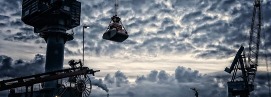 Szwajcarskie uprawnienia budowlane – jak zdobyć uprawnienia na żurawia wieżowego?